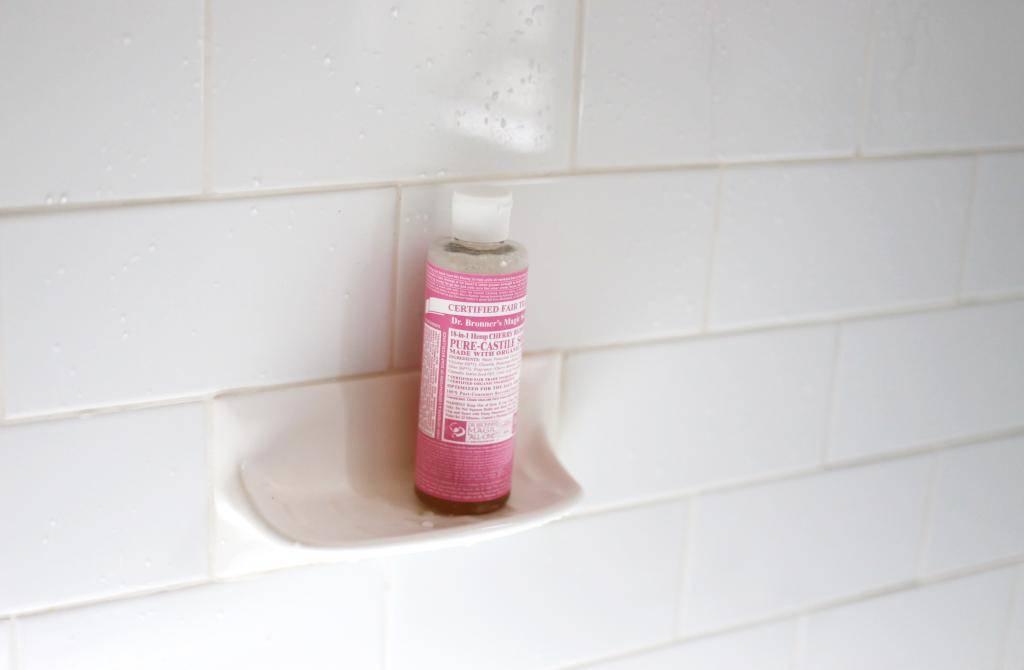 photo DR BRONNERS Magic Soap cherry blossom hemp body wash pink Emma Hoareau_zpsts7l0ns1.jpg