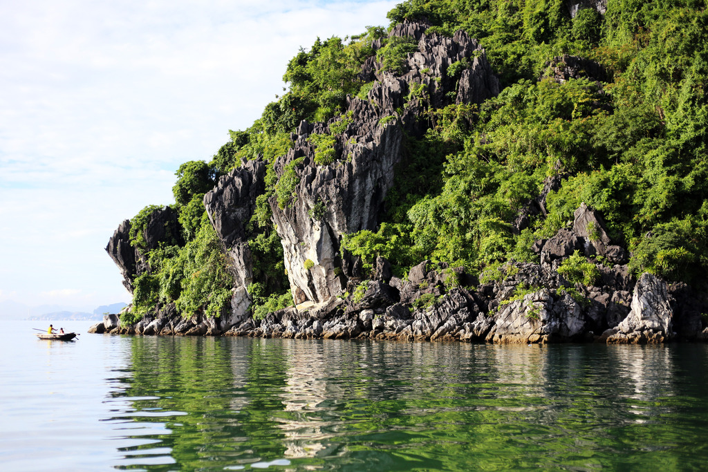 photo Halong Bay sea_zpsa38fv88x.jpg