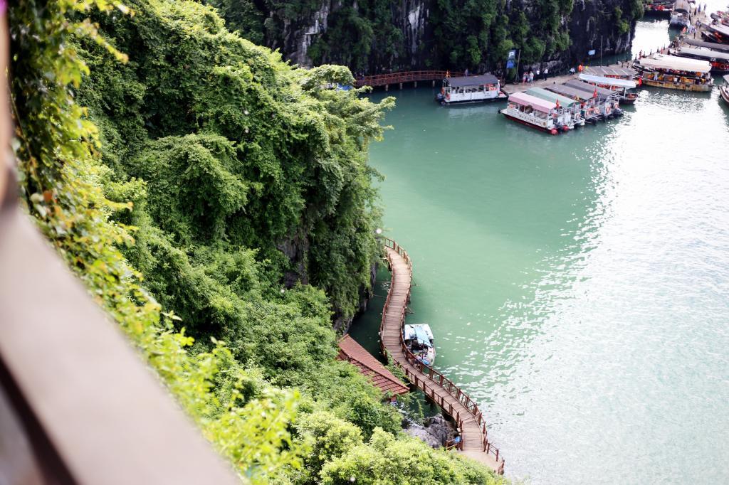 photo HalongBayVietnamboattripEmmaHoareautravels3_zps86d25ac6.jpg