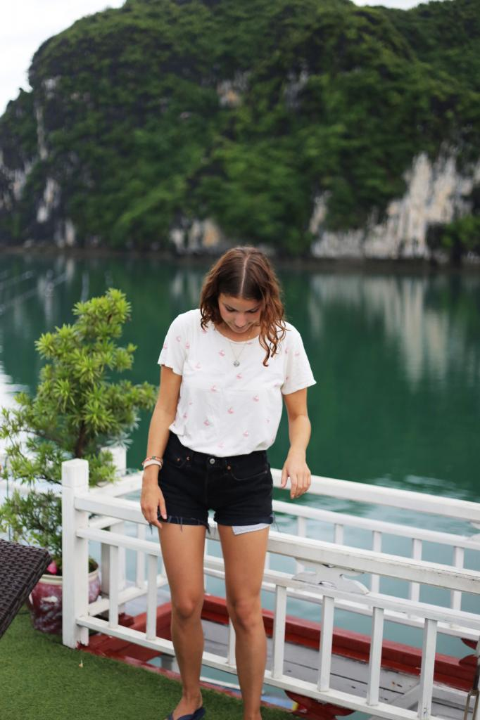 photo HalongBayVietnamboattripEmmaHoareautravelsontheboat_zpsb71ad472.jpg