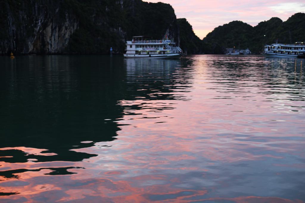 photo HalongBayVietnamboattripEmmaHoareautravelssunsetonthesea_zps6703ee64.jpg