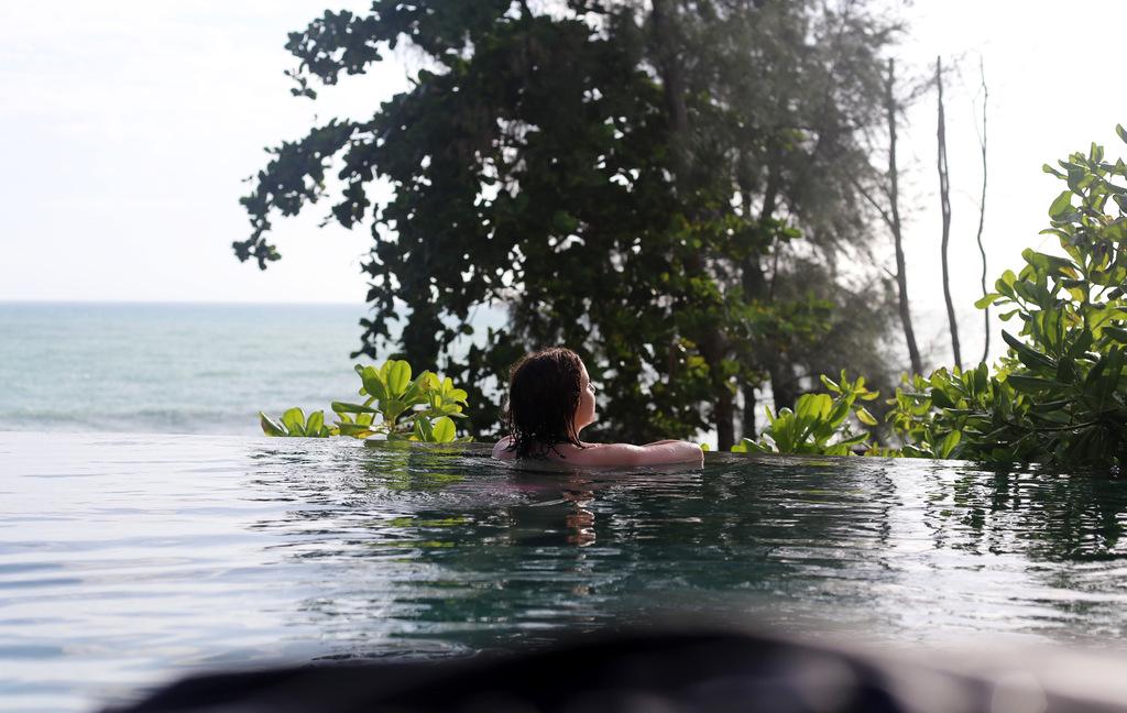 photo Pullman Phuket pools_zpsnxsolsie.jpg