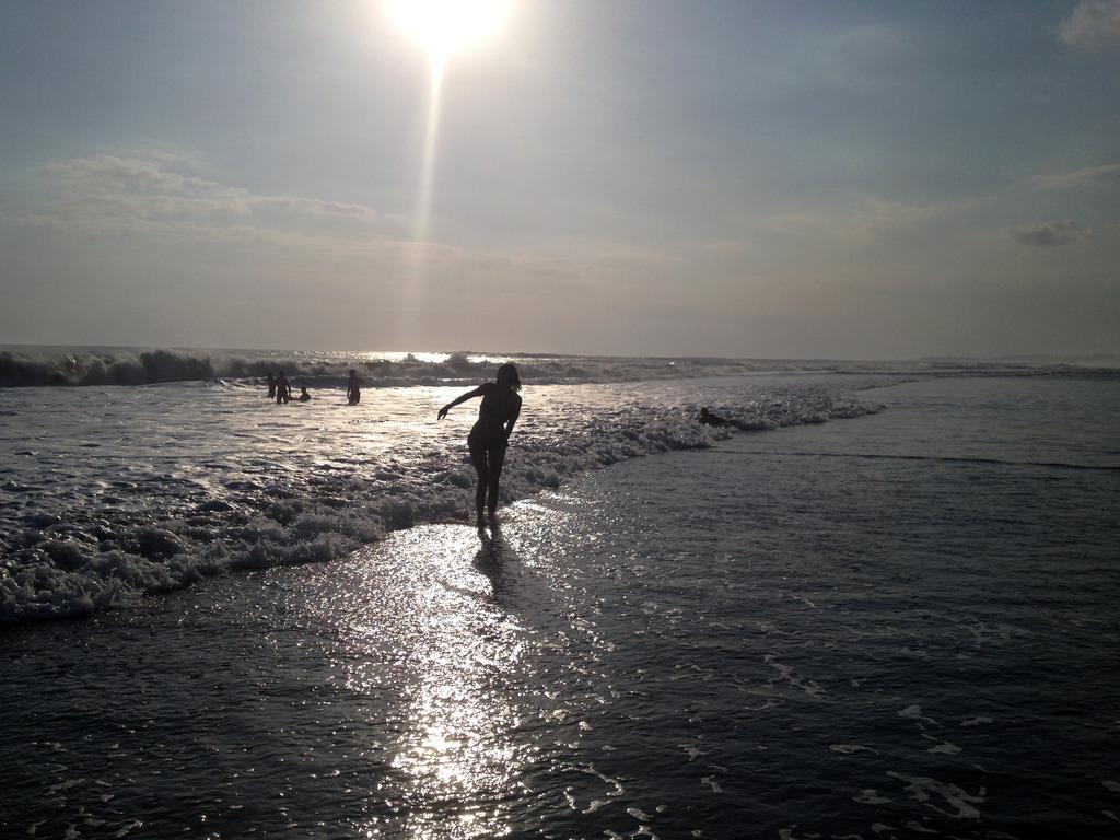 photo W Hotel Bali Seminyak Spa Emma Hoareau beach sea_zpswaz4vz9l.jpg