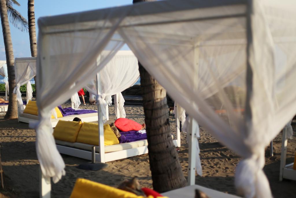 photo W Hotel Bali Seminyak Spa Emma Hoareau beach_zps9w87akuw.jpg
