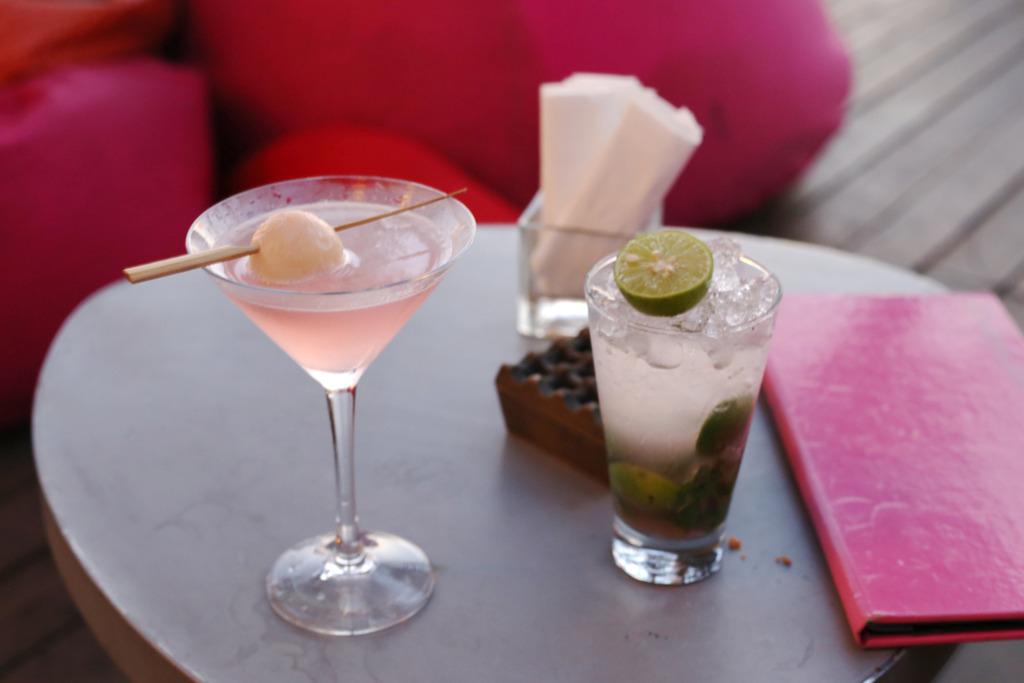 photo W Hotel Bali Seminyak Spa Emma Hoareau sunset drinks_zpsbanpcxsy.jpg