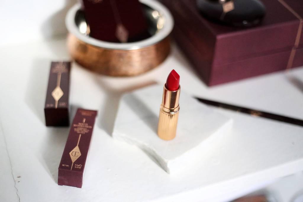 photo Charlotte Tilbury makeup red carpet red lipstick_zpsrbqmn9tv.jpg