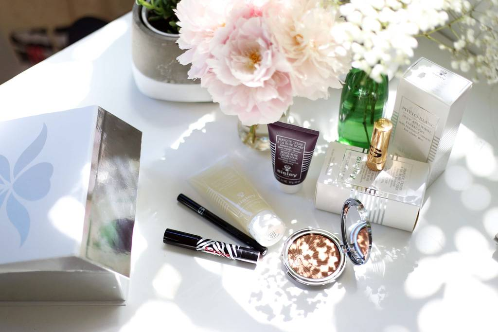 photo WIN this Sisley Paris skincare and makeup goodie bag _zpshv7vw6xo.jpg