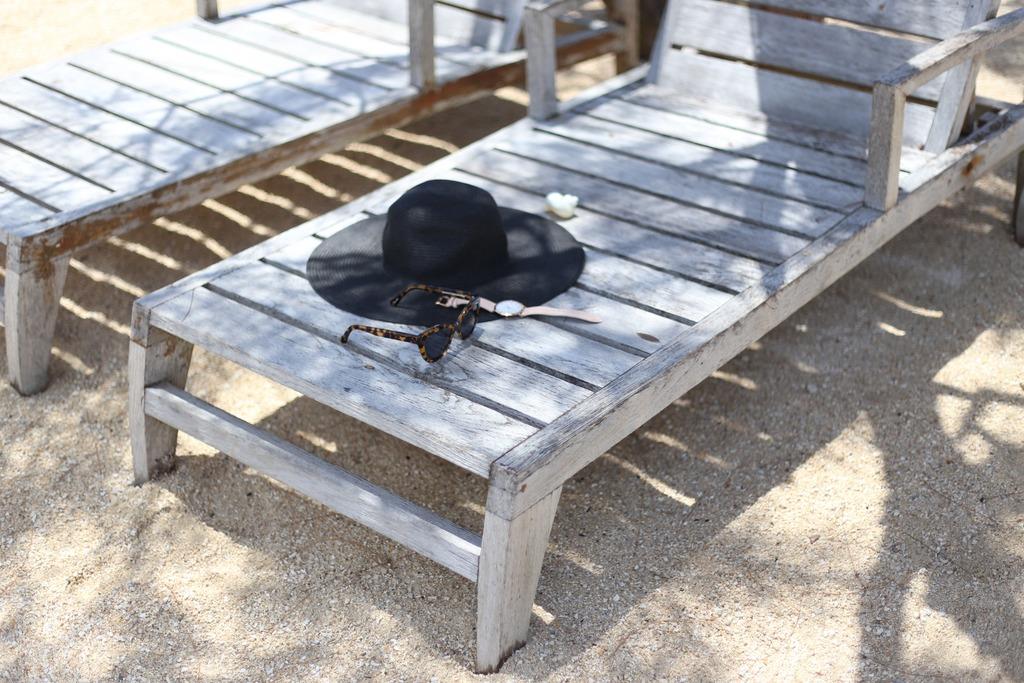 photo Beachside essentials Emma Hoareau_zpskbksztgr.jpg