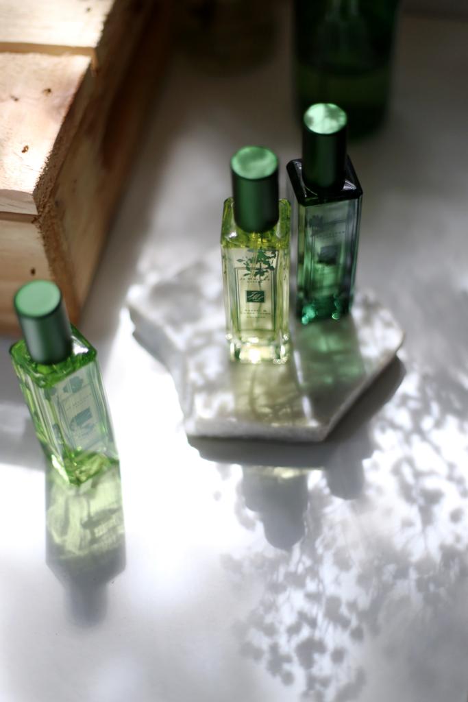 photo Jo-Malone-green-bottles_zpskv3p0kce.png
