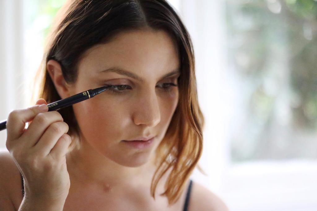 photo how to do eyeliner easy steps_zpsjlnl9vuu.jpg