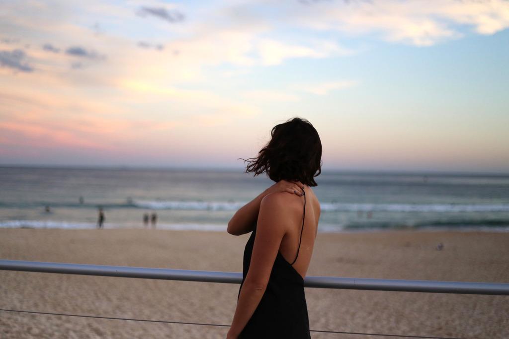 photo Black slip dress low back Emma Hoareau_zpst4o2lf9w.jpg