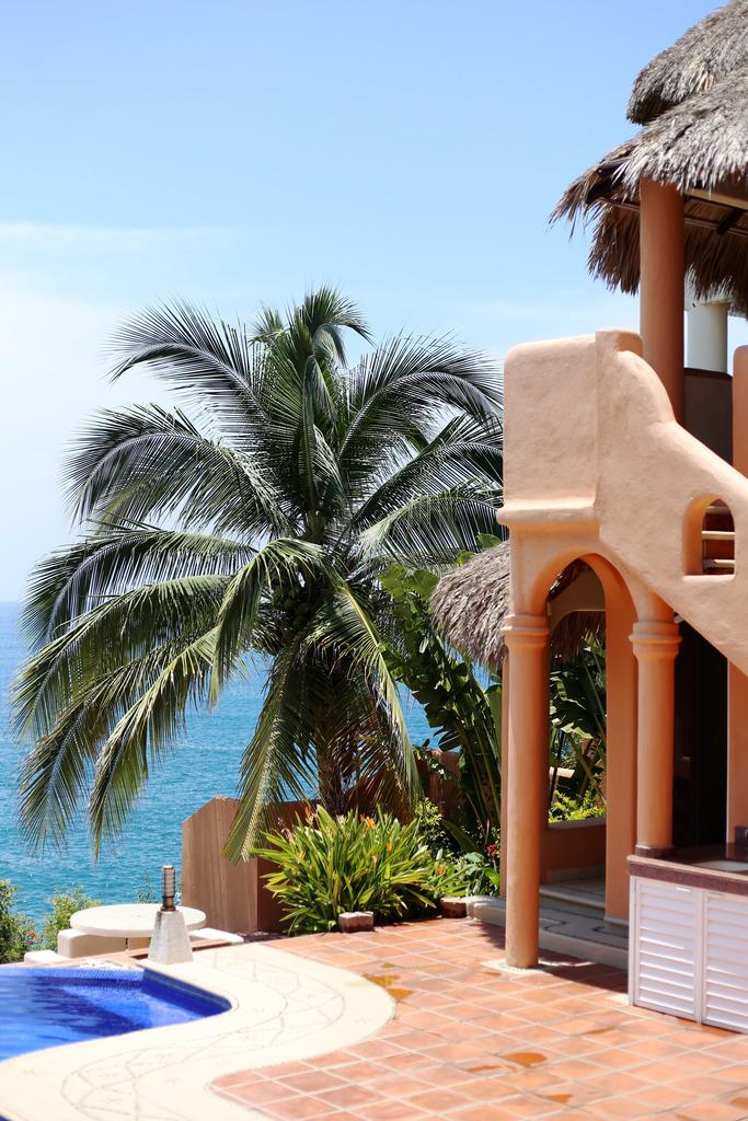 photo puerto escondido villa manzanillo beach_zpspy2tm5g7.jpg