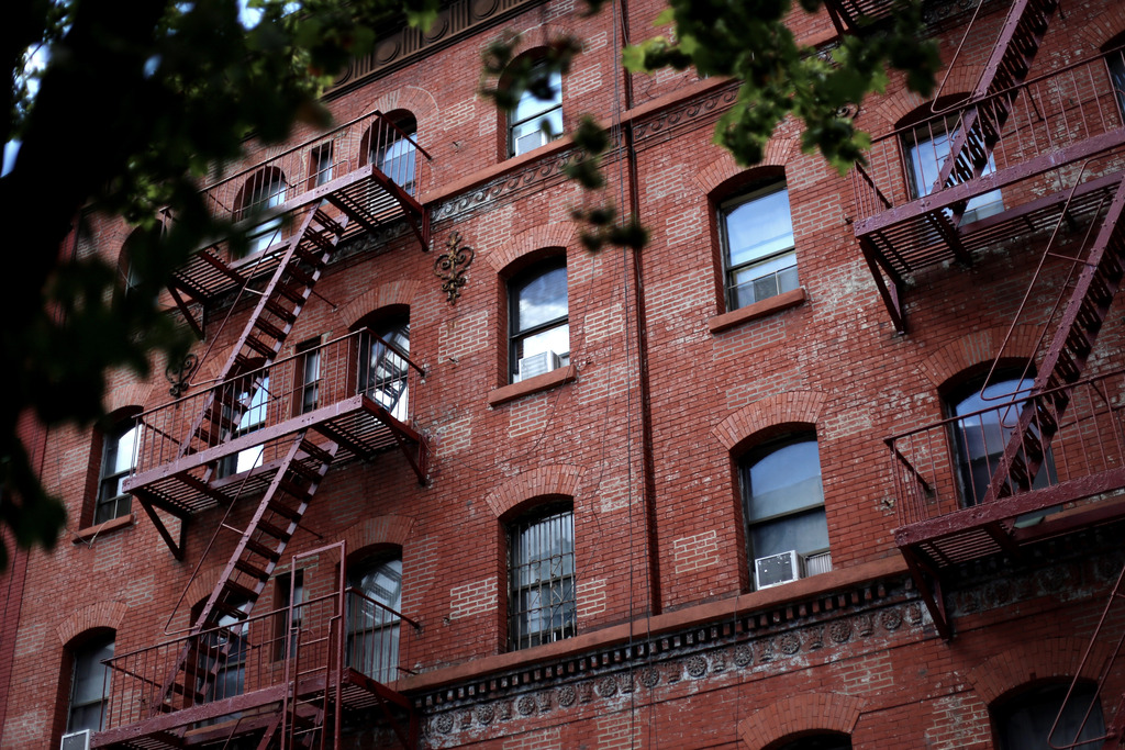 photo NYC red brick building_zpsmiygcsgb.jpg