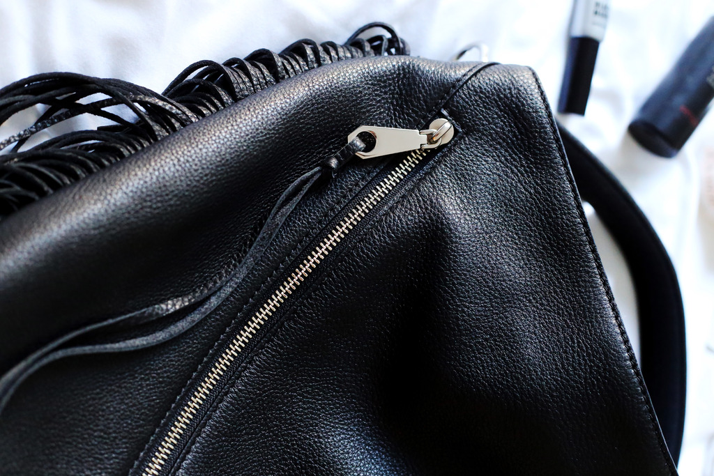 photo Rebecca Minkoff black leather bag_zpslfdgukxj.jpg
