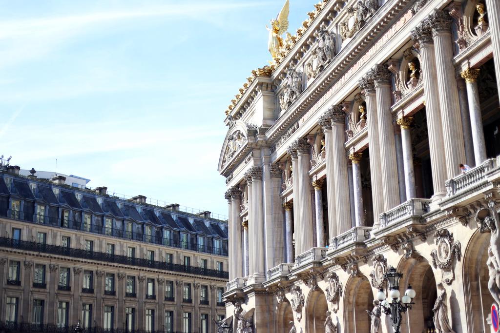 photo parisian buildings_zpsn4crsnf6.jpg
