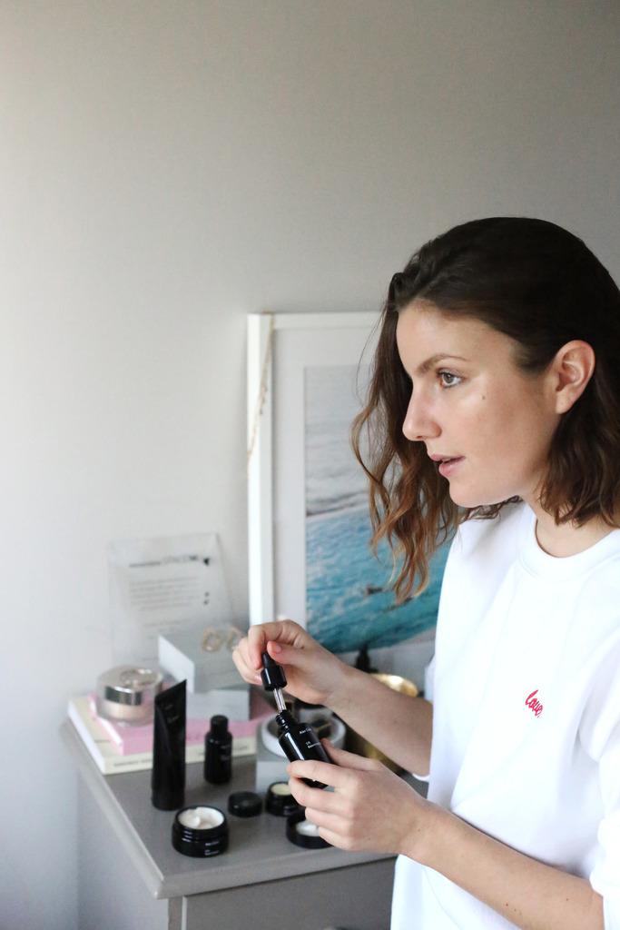 photo Emma Hoareau skincare Alex Carro products review_zpsvltkhvw1.jpg