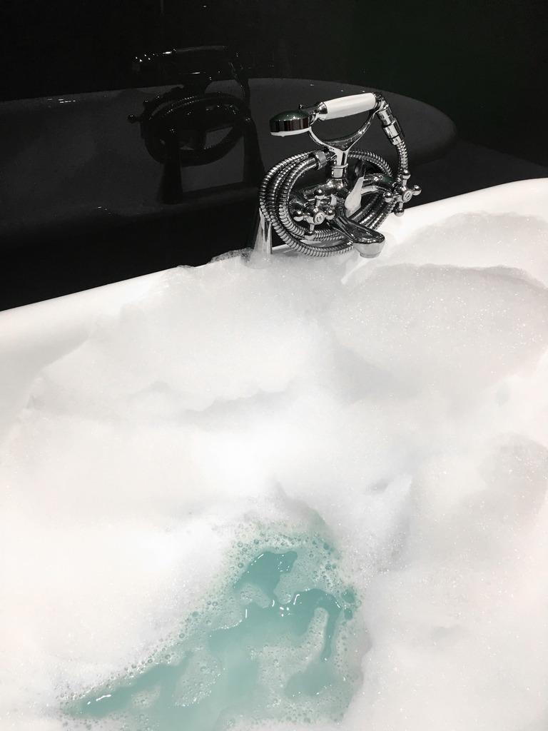 photo bubble bath gials_zpsbryipqwa.jpg