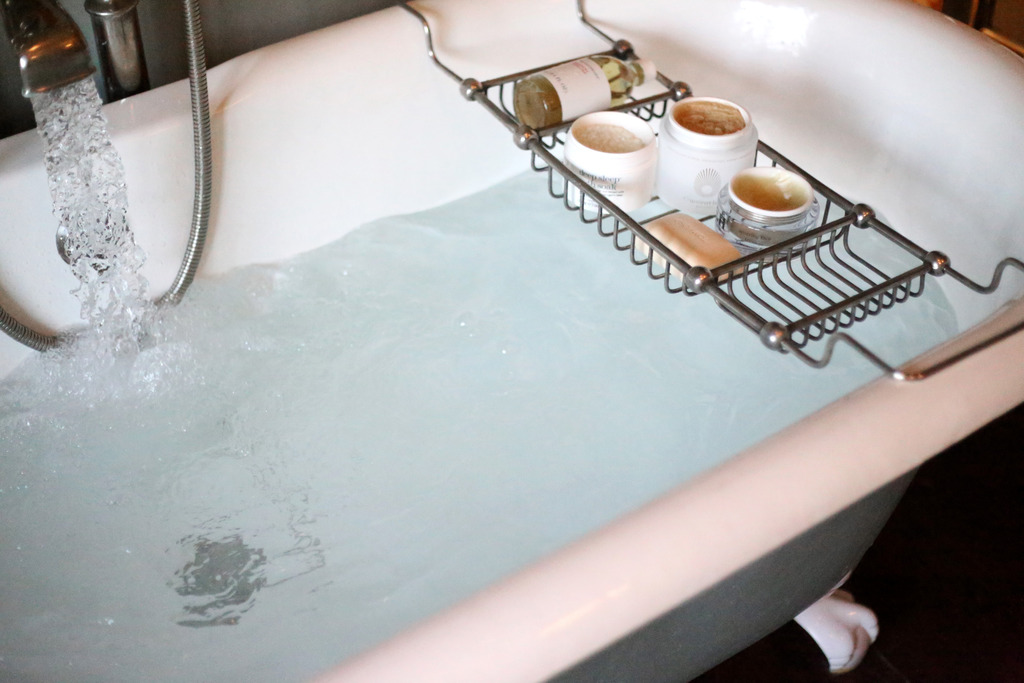 photo winter bath to realx skincare_zpskdbrcdhd.jpg