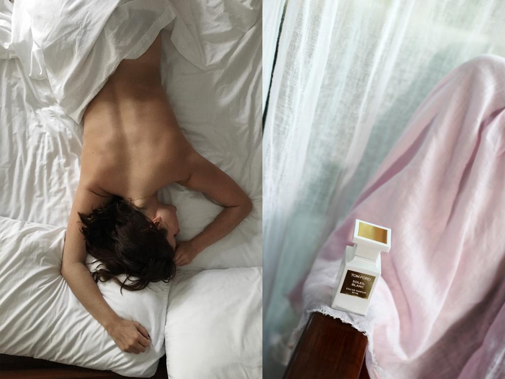 photo in bed at casa de las olas tulum emma hoareau tom ford_zpsydcgseom.png
