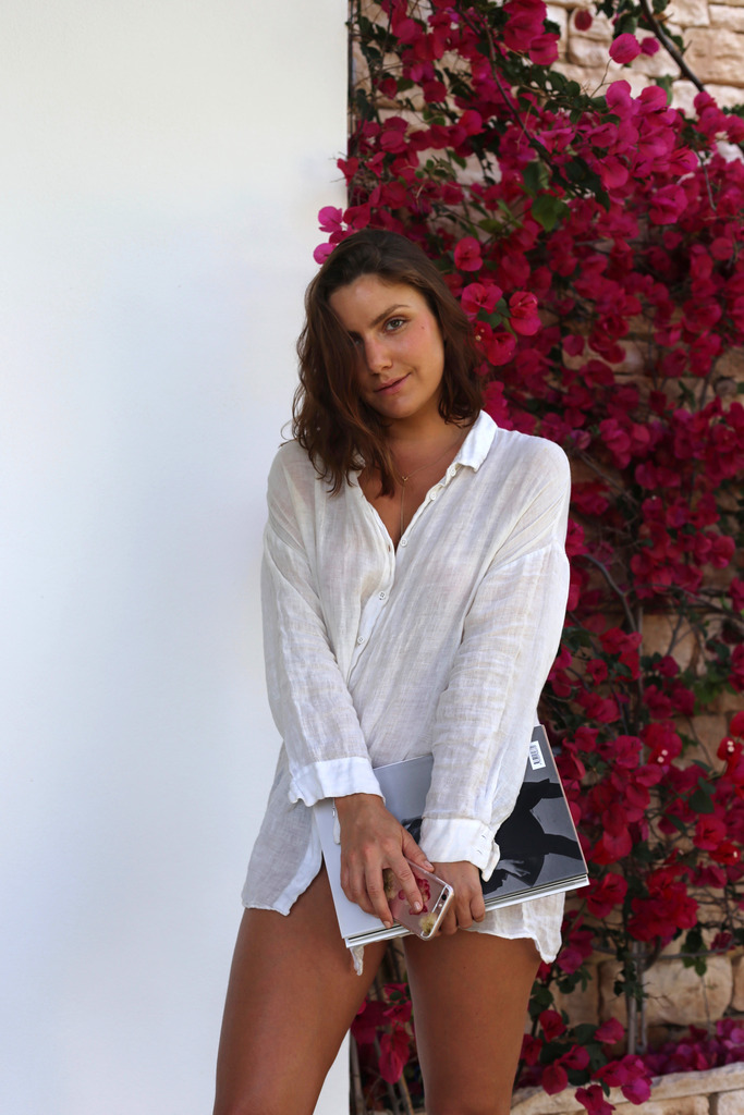 photo Emma Hoareau white shirt bougainvillea_zpsczij88xr.jpg