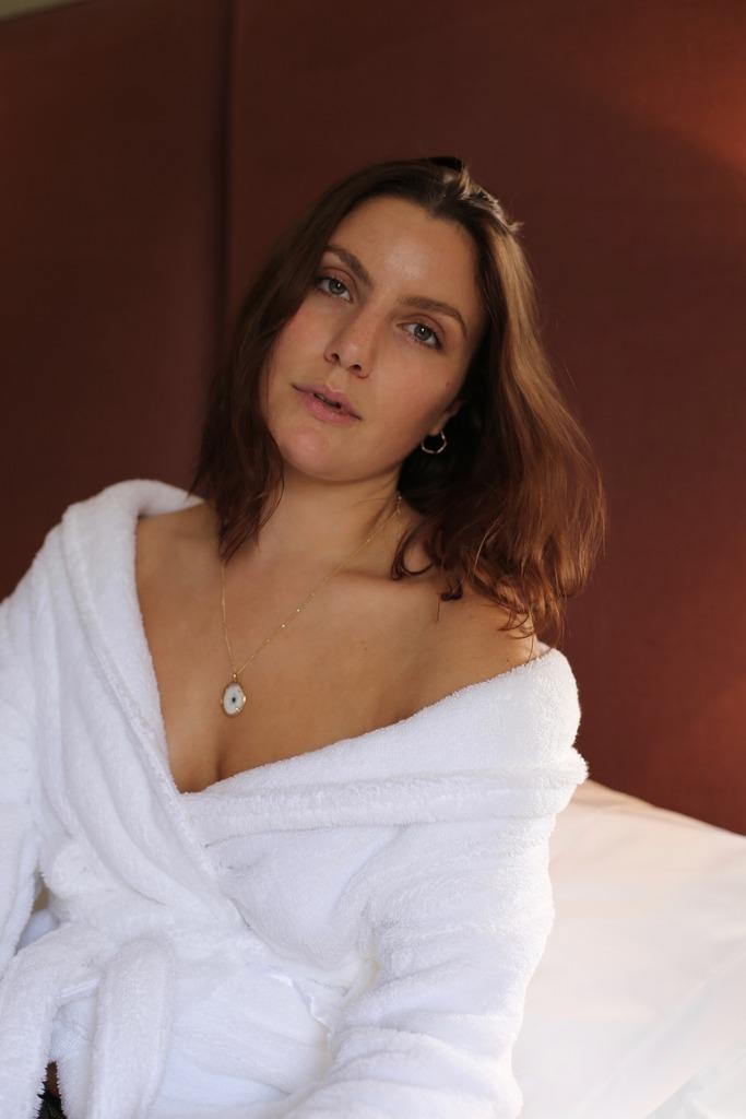 photo Emma Hoareau beauty skin facial spa_zpste3yzuir.jpg