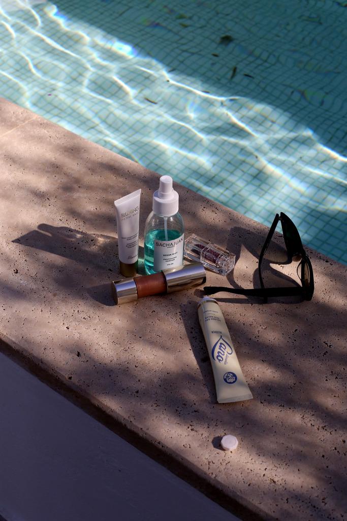 photo estee lauder liquid bronzer highlighter double wear cushion review_zps66jjhmjl.jpg